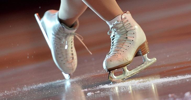 Юные астраханцы смогут бесплатно кататься на коньках