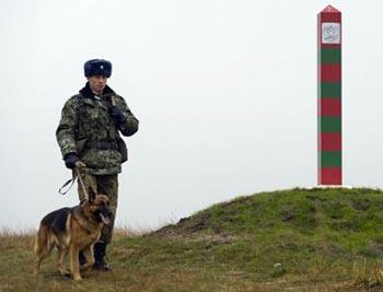 Таджик пытался подкупить астраханского пограничника