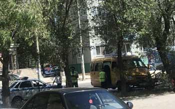 Хозяин машрутки, своротившей в Астрахани леерное ограждение, обязался восстановить его за свой счет