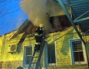 Накануне Старого Нового года в Астрахани подожгли дом