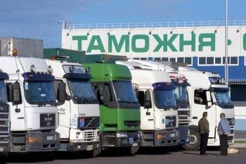 Главный таможенный инспектор Астрахани предстанет перед судом