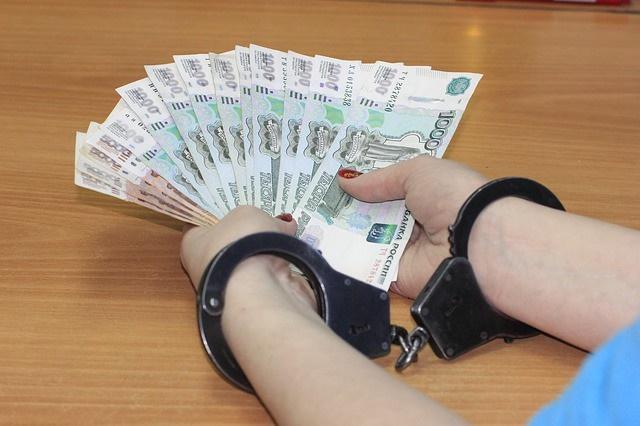 Астраханская адвокатесса с подельником смошенничали на 11 миллионов рублей