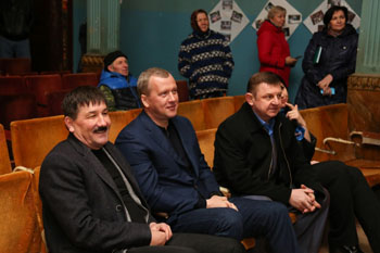 Сергей Морозов осмотрел социальные объекты в селе Тишково