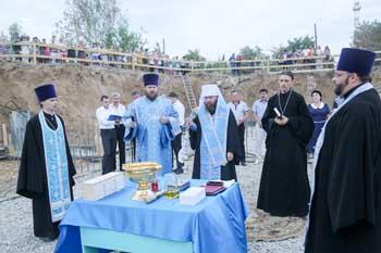 В астраханском селе Цветное начали восстанавливать храм, уничтоженный в годы богоборчества