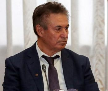 Бывший астраханский единоросс Алмаев сохранил место в губернаторском совете