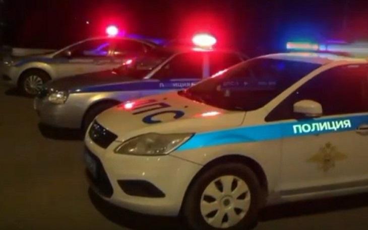 Астраханские полицейские объезжают город с мегафоном