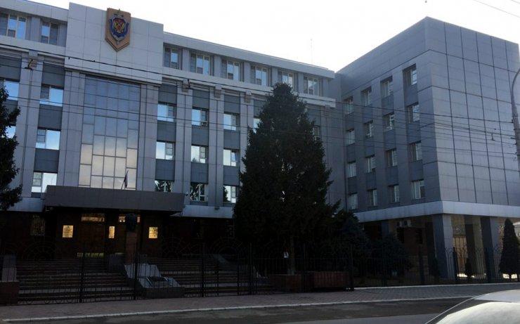 Астраханские чекисты недовольны качеством ограждения своего Управления