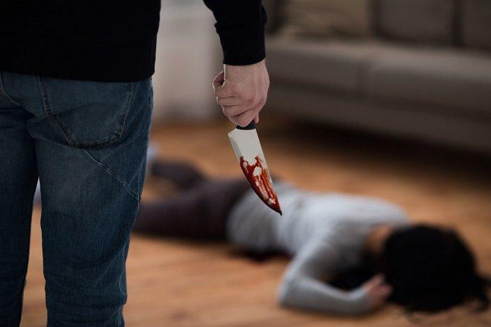 В Астрахани пьяный ревнивец зарезал девушку