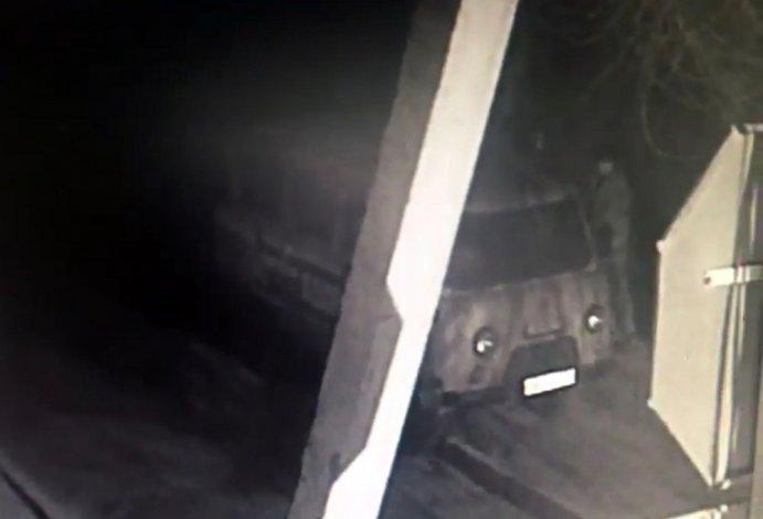 Опубликовано видео атаки на авто ЛДПР в Астрахани