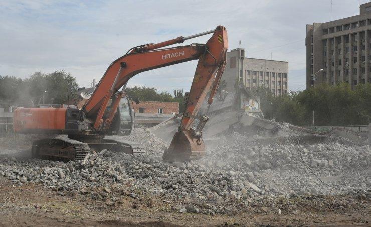 Астраханские власти требуют компенсацию за снос долгостроя на Селениях
