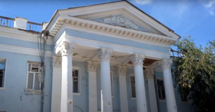 Здание «Каспрыбы» в центре Астрахани продают за 45 млн рублей