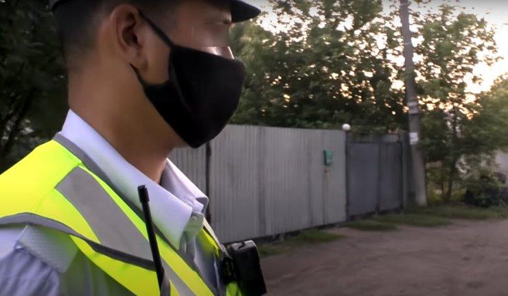 Астраханского гаишника наказали за мошенничество