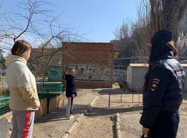 В Астрахани к ответственности привлечены 11 легкомысленных родителей