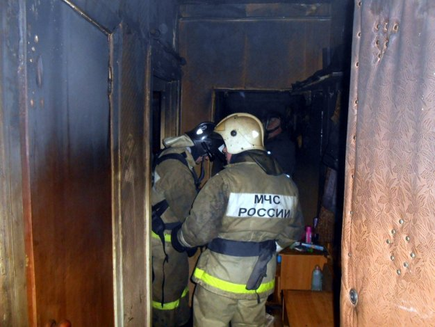 В Астрахани на пожаре погиб инвалид
