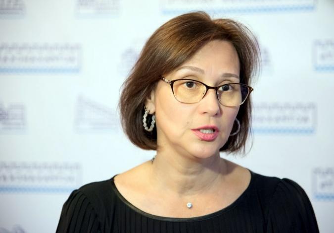 Астраханский министр Виктория Гурьянова награждена знаком отличия