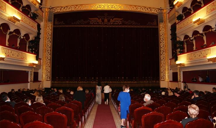 Астраханский театр оперы и балета продолжает удивлять