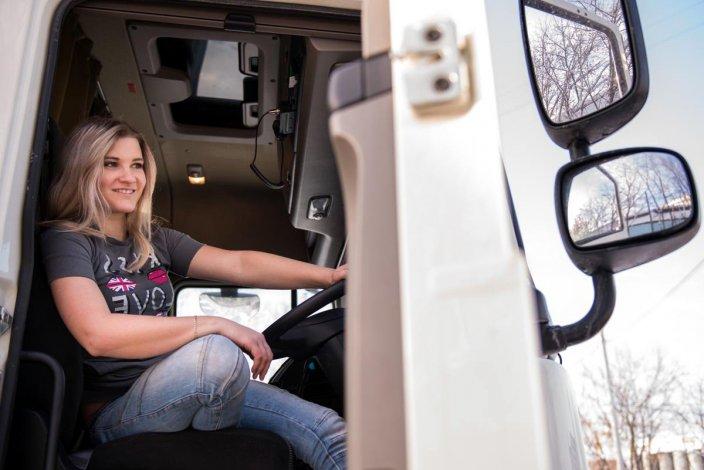 В Астраханской области ограничат движение грузовиков