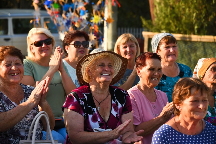 Депутаты поздравили астраханских сельчан с праздником