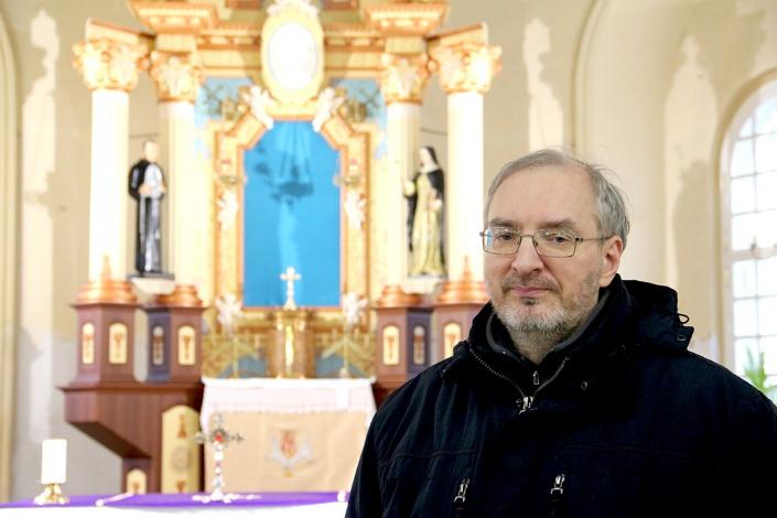 Отец Вальдемар: об истории и современности католического прихода в Астрахани