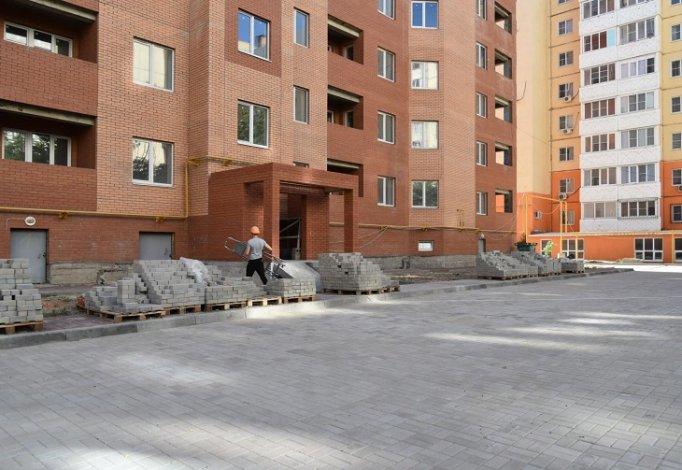Власти Астрахани помогут благоустроить двор новостройки