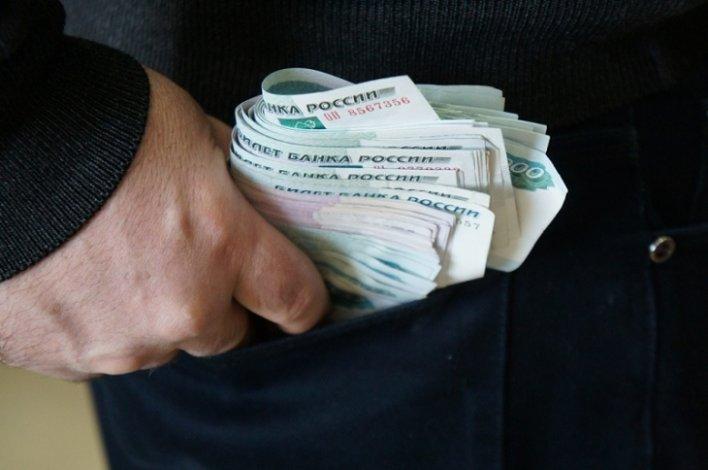 Астраханский коммерсант пытался подкупить полицейского и поплатился