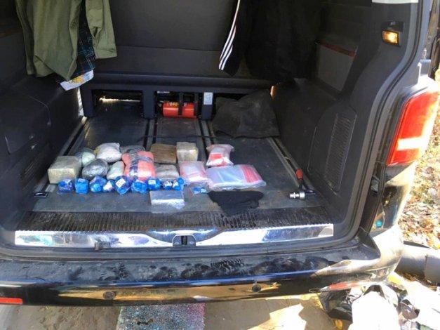 В Астрахани взяли с поличным наркодилеров