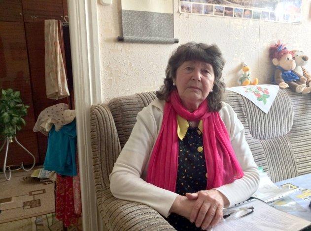 Астраханская пенсионерка жалуется на побои соседей