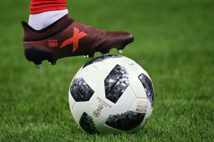В Астрахани продолжают тратиться на футбол