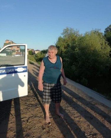 В Астрахани спасли из воды пенсионера