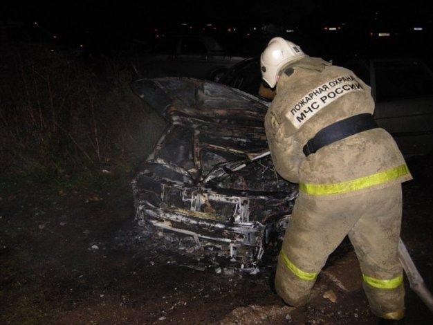 Этой ночью в Астрахани снова горело авто