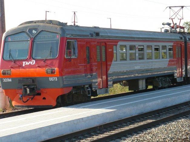 Пригородных поездов стало больше