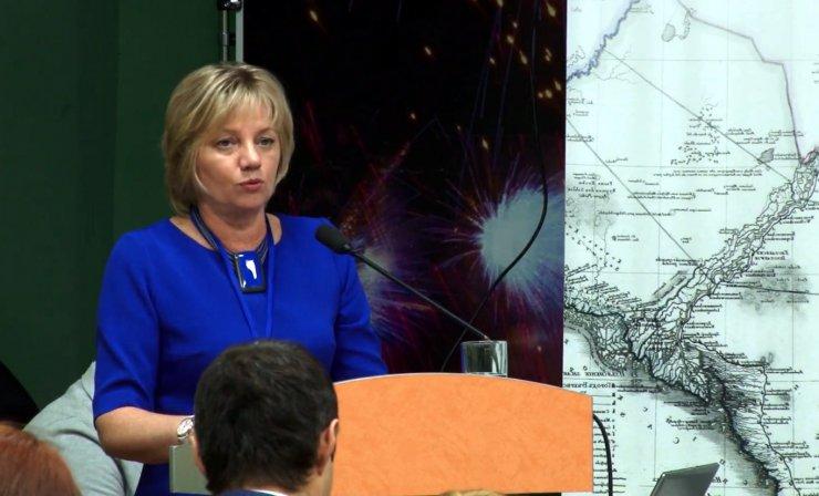 Экс-министр культуры Астраханской области даёт тысячерублёвые мастер-классы