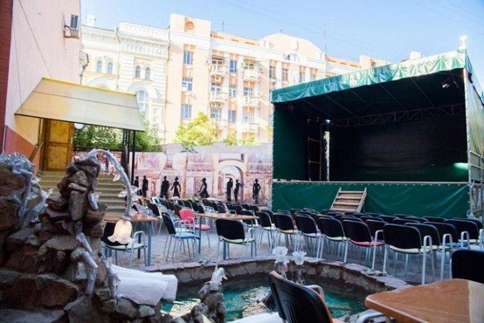 В Астрахани открылись театральные и спортивные площадки