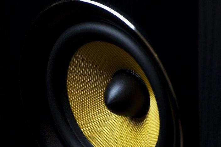 Астраханец избил пьяного соседа за громкую музыку