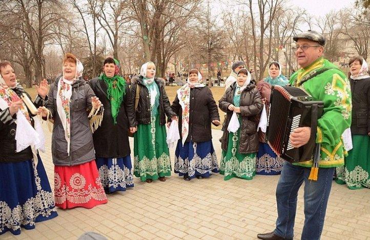 Астраханская область широко справляет Масленицу