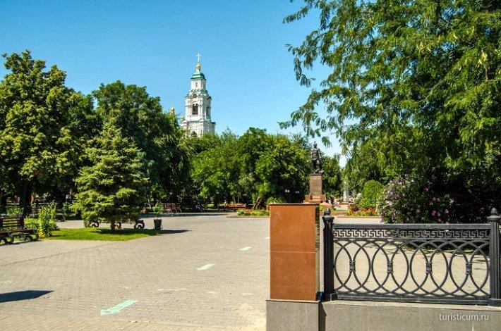 Астраханцев приглашают виртуально прогуляться по Братскому саду