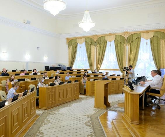 Игорь Мартынов прокомментировал социальный контракт в Астраханской области