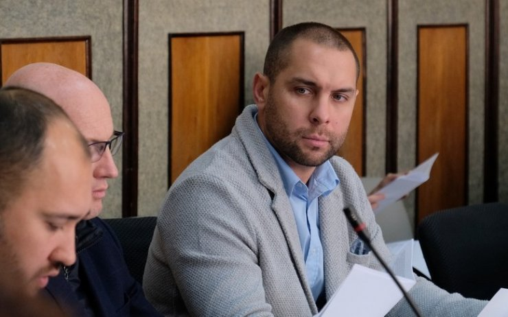 Областные депутаты вносят изменения в закон о выборах и своих помощниках
