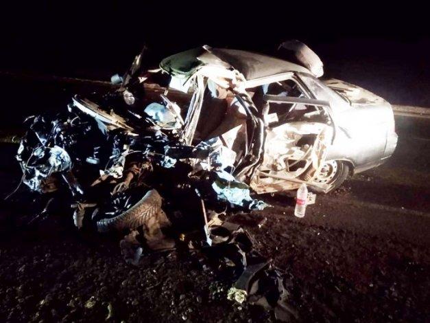 Астраханский водитель выжил в лобовом столкновении с грузовиком