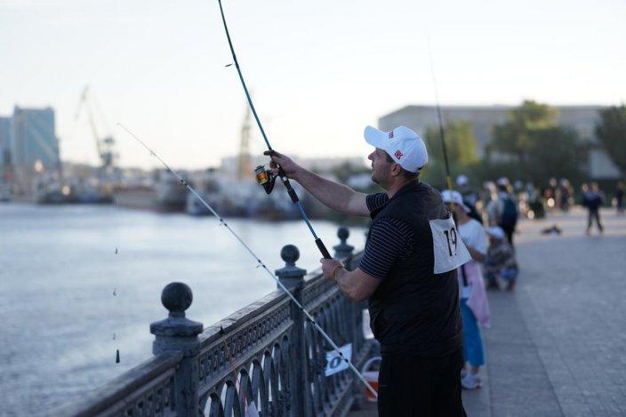 """Свежая """"Вобла"""": в Астрахани стартовал рыбацкий фестиваль по новым правилам"""