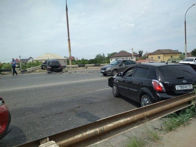 В аварии у Нового моста пострадала астраханка