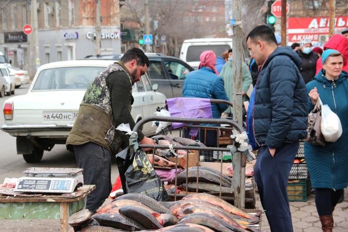 Рыботорговля в Астрахани цивилизованной не становится