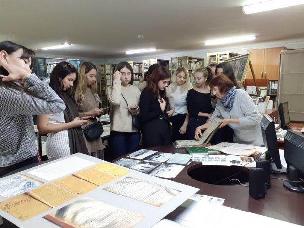 Астраханская картинная галерея проводит семинар федерального значения