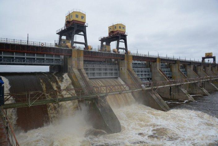 Астраханская область встречает редкое явление - осенний паводок