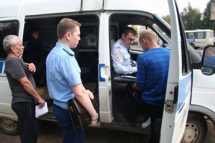 Судебные приставы взялись за водителей астраханских маршруток