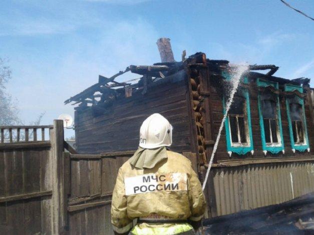 В Астраханской области на пожаре пострадала пенсионерка