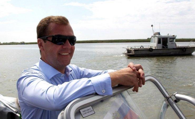 О резиденции Дмитрия Медведева под Астраханью: расследование «Проекта»