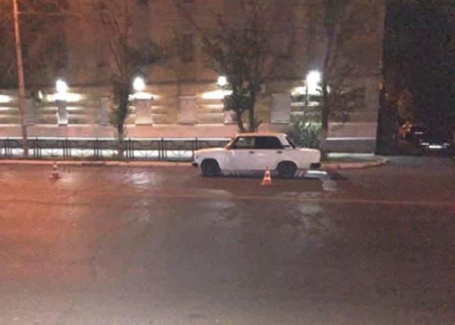 В Астрахани под колёсами авто погиб неизвестный