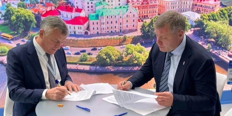 Астраханский губернатор провел ряд важных встреч на полях ПМГФ-2021