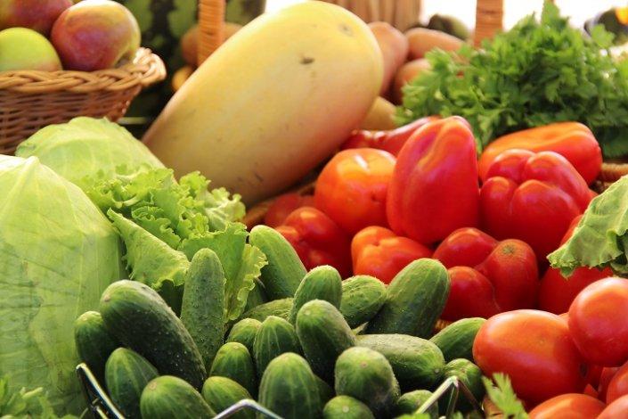 Астраханская область кормит овощами других